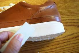 how to clean white shoes soles