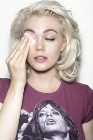how to take off your eye makeup