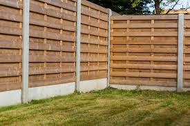 Do S Don Ts Of Pressure Washing Wooden Privacy Fences David S Fencing Ewa Nearsay