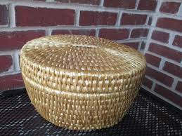 natural woven lidded basket 10 inches