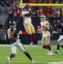 Wes Saxton of the San Francisco 49ers makes a catch up the middle... News  Photo - Getty Images