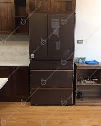 Đặt lên bàn cân giữa tủ lạnh nội địa Nhật mới với hàng Nhật bãi ...