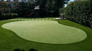 artificial grass lawns and putting