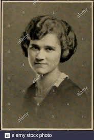 Class of 1921 . Priscilla May Poore Ross California Isabel Virginia  Prescott Lake Forest Park Seattle, Washington. a Q ? 7i IEjC i Stock Photo  - Alamy