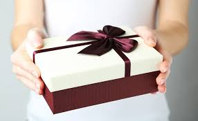 your guide to enement gift etiquette