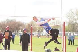 High school track and field: Aberdeen Central squads step into limelight in  Brookings | Sports | aberdeennews.com