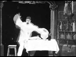 Le Magicien (Georges Méliès). 1898 - YouTube