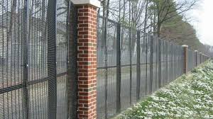 8 Advantages Of Security Fencing The Amateurs Digest