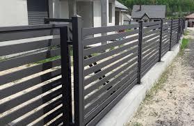 25 Horizontal Metal Fence Design Idea Home Decor Interior