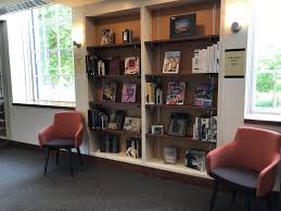 new les fine arts library collections