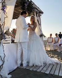 Matrimonio sulla spiaggia per Stefania Orlando e Simone Gianlorenzi