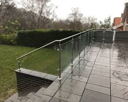 glass railings for raised patio