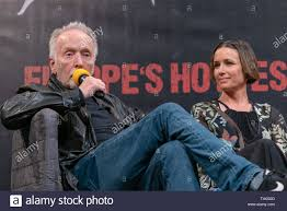 DORTMUND, GERMANY - April 13th 2018: Tobin Bell and Shawnee Smith at  Weekend of Hell Spring Edition 2019, a two day (April 13-14 2019)  horror-themed fan convention Stock Photo - Alamy