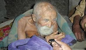أكبر عجوز معمر في العالم يكمل عامه الـ179 ويتحدث عن سر عمره الطويل