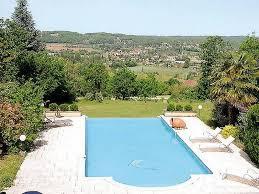 pierre avec vue et piscine proche