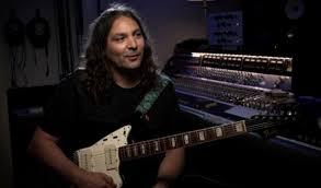 The War On Drugs' Adam Granduciel Talks Guitars: Watch - Stereogum