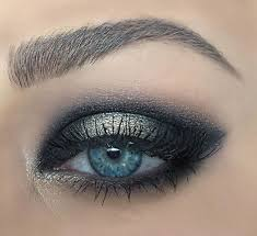 black smokey eye makeup for blue eyes