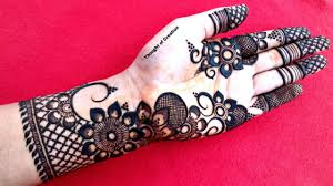 stylish mehndi design simple pic
