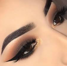 smokey eye glitter inner corner