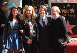 Melissa Etheridge's son Beckett dead at 21
