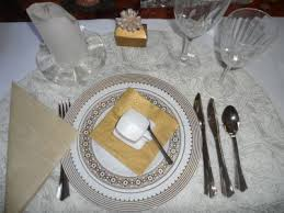 plastic plates elegant palatial gold