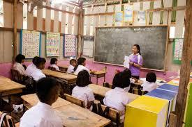 """ครูมละบริ หรือชนเผ่าผีตองเหลือง เสนอโครงการ""""การส่งเสริมการใช้ภาษาไทย  ในการสื่อสารของเด็กชาวมละบริฯ"""" - Chiang Mai News"""