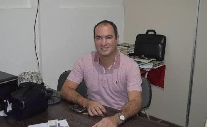 Resultado de imagem para fotos do prefeito de carnaubais dr thiago