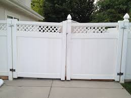 Gate Styles Crown Vinyl Fence