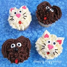 dog cupcakes and cat cupcakes so cute
