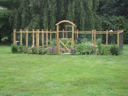 Nice Idea For A Garden Fence If You Build It To Be Over 6 Feet High It Might Keep The Deer Out Diy Garden Fence Fenced Vegetable Garden Deer Fence