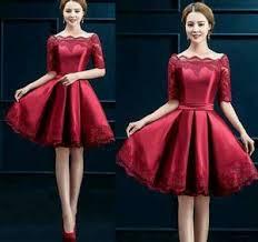 Model kebaya brokat modern lain yang bisa dicoba adalah gaya midi dress lengan panjang, rok, dan kain selendang satin simple seperti ini. 9 Gaun Cantik Yang Akan Membuatmu Tampil Lebih Menawan Di Hari Natal Yang Spesial