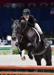 Cole teams with Q-Bella to win Children's Hunter Championship   Sports    loudountimes.com