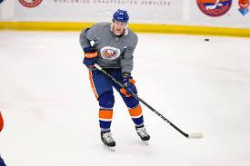 Tom Kuhnhackl joins the #Isles at... - New York Islanders | Facebook