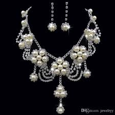 pearl crystal flower pendant necklace