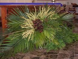 Pin by Myra Myers on Altar Flowers | Palm sunday decorations, Church flower  arrangements, Palm sunday