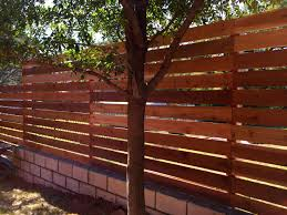 6 H Horizontal Cedar Semi Privacy Fence On 4 Steel Posts Visit Www Fence4atx Com For More Great Ideas For Your Modern Fence Design Fence Design Modern Fence