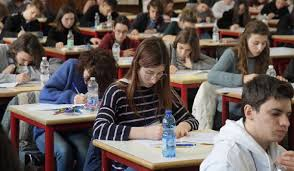 Coronavirus, da mercoledì scuole riaperte in Piemonte