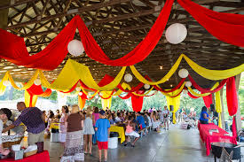 vine carnival decorations ideas