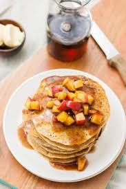 the tastiest apple cinnamon pancakes