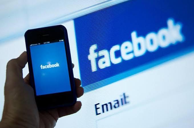#censure_facebook_algerie_hirak