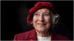 Vera Lynn Turns 102! Singer who ...