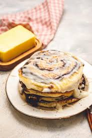 deilcious cinnamon roll pancakes recipe