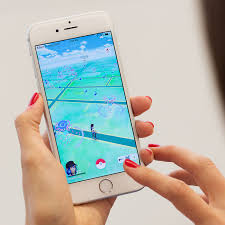 Pokémon Go for iOS updated to resolve Google account concerns ...