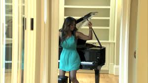 kenya moore plays piano with her booty