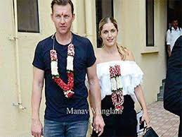 Did Brett Lee and his wife convert to ...