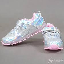 Chi tiết mẫu giày thể thao thời trang bé gái Disney SP0089.