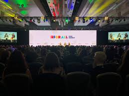 """Preeya Voss on Twitter: """"Empowered Women Empower Women. No better way to  celebrate #InternationalWomansDay than seeing our fearless leader  @JenniferBMorgan on stage at the @GPTW_US 2018 Summit and celebrating  @ParkinsonJewell as an"""