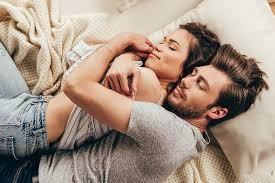3 reasons why simple cuddling in bed