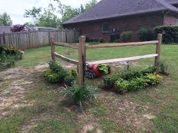Accent Corner Split Rail Fence Fence Landscaping Privacy Fence Landscaping Front Yard Landscaping