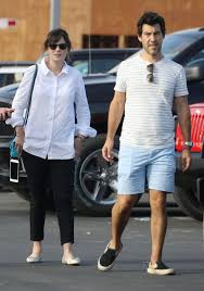 ZOEY DESCHANEL and Her Husband Jacob Pechenik Shopping for a New Car in Los  Angeles 09/30/2017 – HawtCelebs